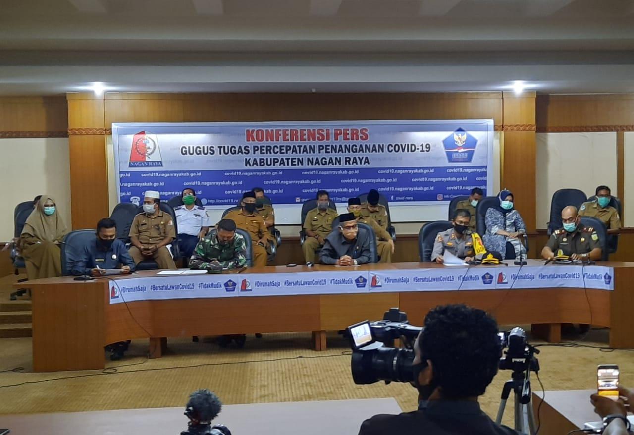 Komfrensi Pers Gugus Tugas Covid 19 Nagan Raya bersama FORKOPIMDA. [Foto : Rusman]
