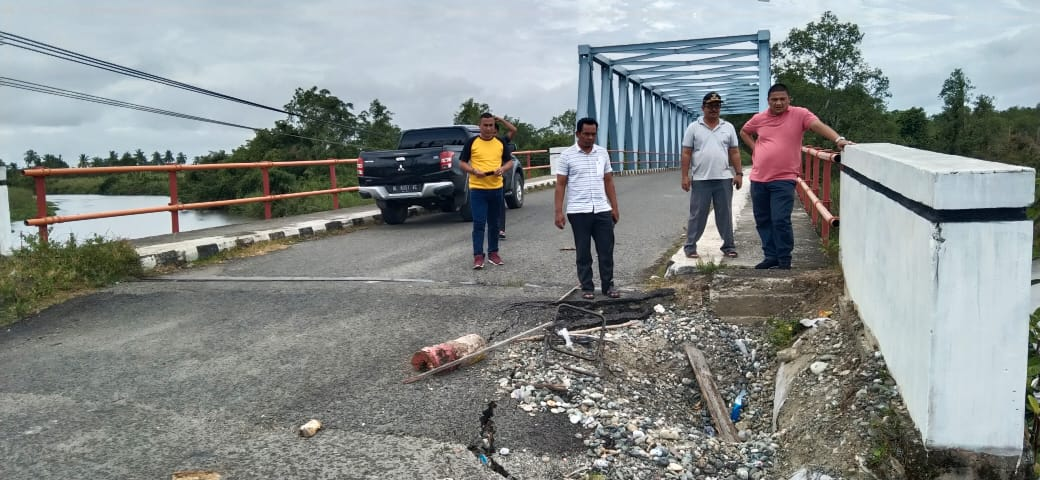 Anggota DPRA Minta Pemerinta Aceh Proritaskan Perbaikan Jembatan di Jalan Kuala Tuha – Lamie Nagan Raya