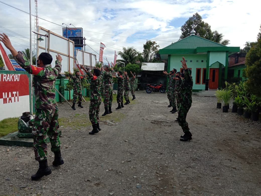 Senam Pagi Cara TNI di Nagan Raya Jaga Kebugaran Tubuh Cegah Covid – 19