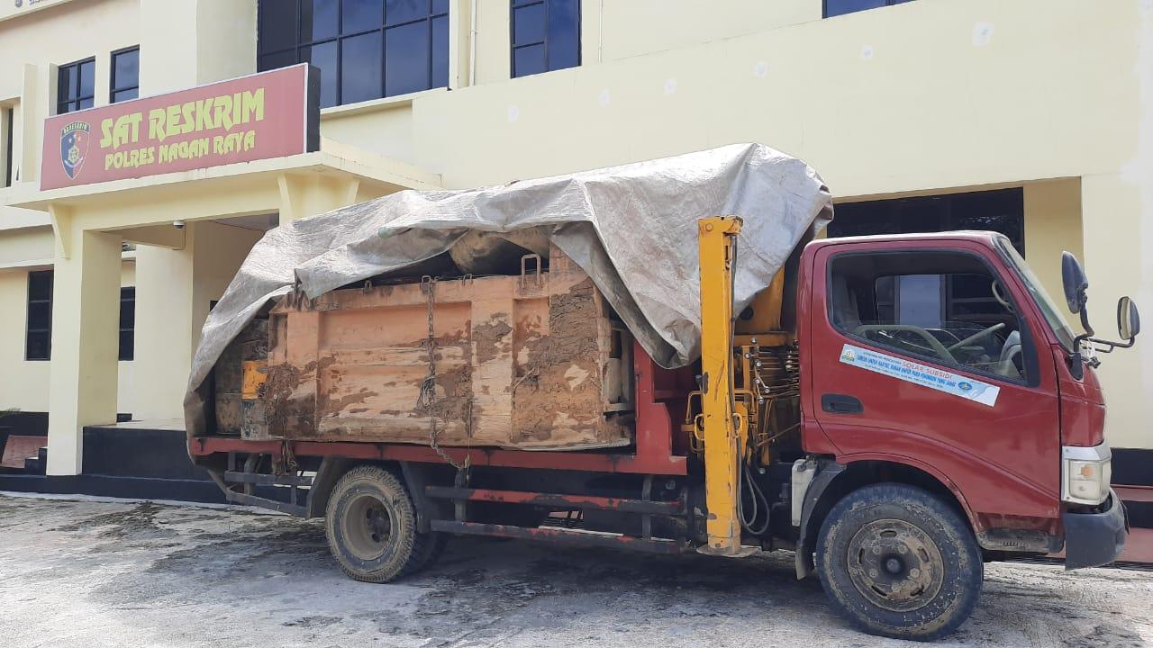 Truk Angkut 13 Drum BBM Bersubsidi di Amankan Polisi Nagan Raya
